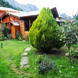 OPORTUNIDAD DE INVERSION-Casa con Local Comercial , Lago Puelo